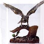 置物『松の上の鷹』(特大)
